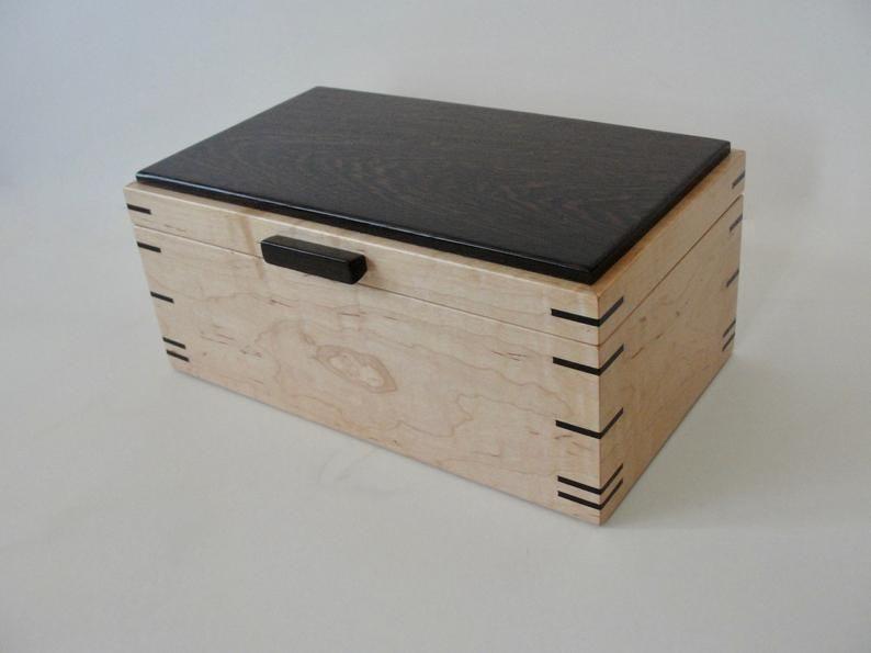 Contrasting Hardwoods Jewelry/Trinket Box